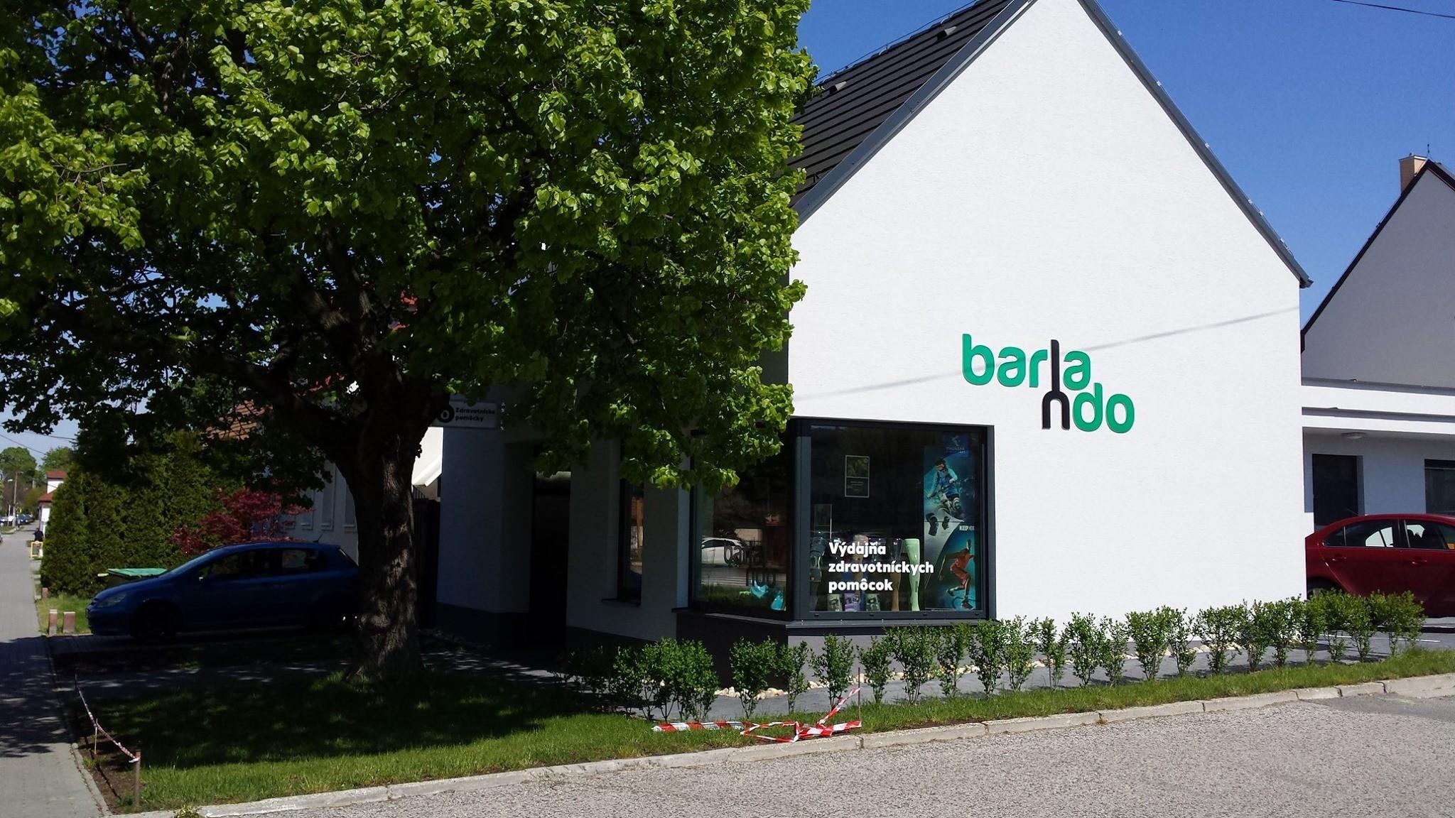 Barlando - logotype and visual identitiy for shop with medical supplies